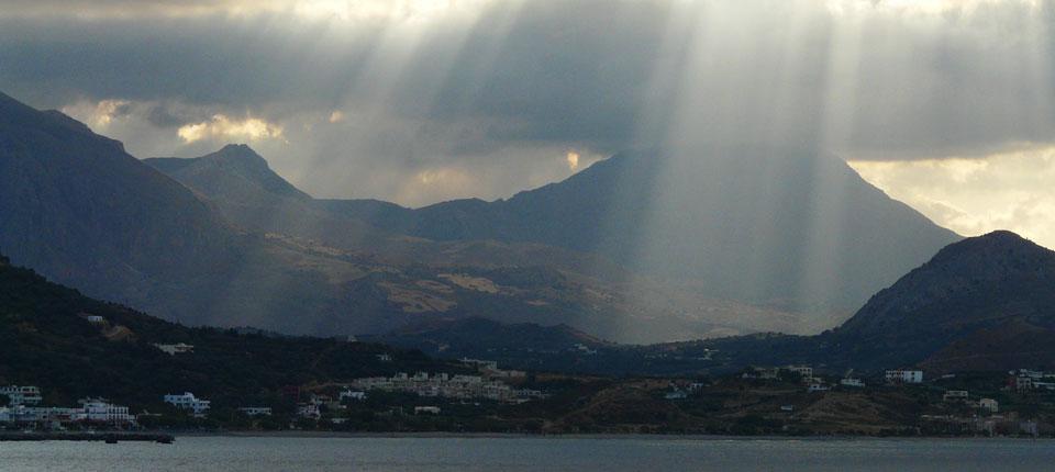 Sonnenstrahlen über Plakias, Kreta
